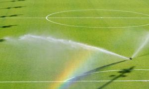 полив футбольных полей